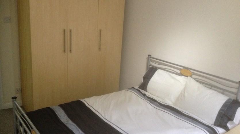 1 BED APARTMENT MOUNTSORREL BEDROOM