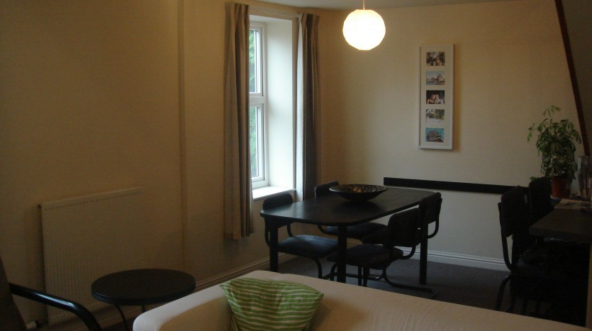 LOUGHBOROUGH APARTMENT DINING ROOM FOR STUDENT